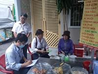 Phường 9 Mặt trận giám sát công tác quản lý vệ sinh an toàn thực phẩm và tuyển sinh đầu năm học