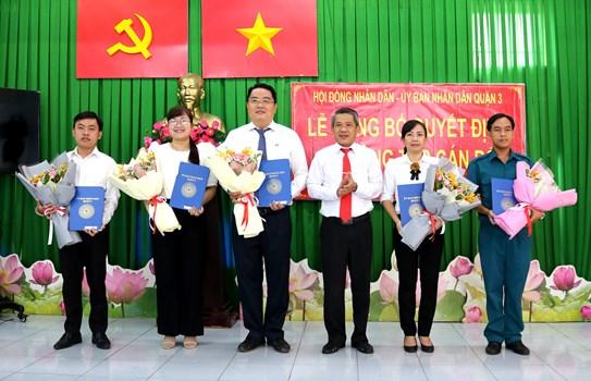 Quận 3 Trao quyết định phê chuẩn kết quả bầu các chức danh của Phường Võ Thị Sáu