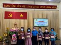 Liên đoàn Lao động Trao tặng quà tết cho Nghiệp đoàn nhóm trẻ mầm non tư thục