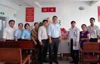 Phường Võ Thị Sáu tổ chức đoàn đến chúc mừng các cơ sở y tế nhân ngày Thầy thuốc Việt Nam 27 2 2021