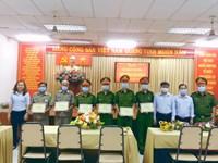 Phường 10 khen thưởng đột xuất công tác đấu tranh phòng chống tội phạm