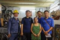 Phường 11 tổ chức thực hiện cải tạo điện cho các gia đình có hoàn cảnh khó khăn trên địa bàn phường