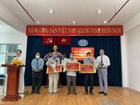 Phường 11 tổ chức lễ kỷ niệm 131 năm Ngày sinh Chủ tịch Hồ Chí Minh và trao Huy hiệu Đảng